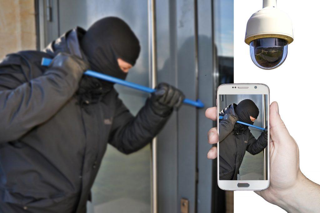 Cambrioleur prit en délit grâce à une caméra de surveillance